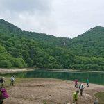 刈込湖湖畔